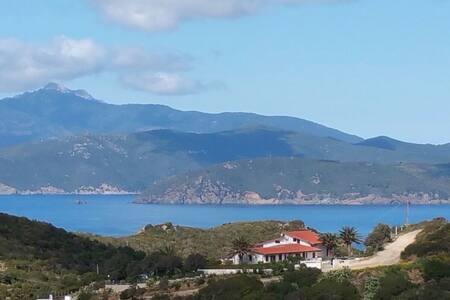 Casa a schiera con vista/House with beautiful view - Innamorata