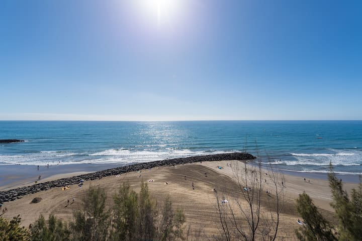 Excellent Two Bedroom Apartment 300m from Beach.