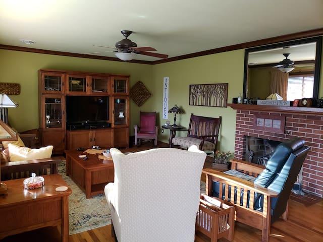 1500sqft charming home close to Harrisburg,Hershey