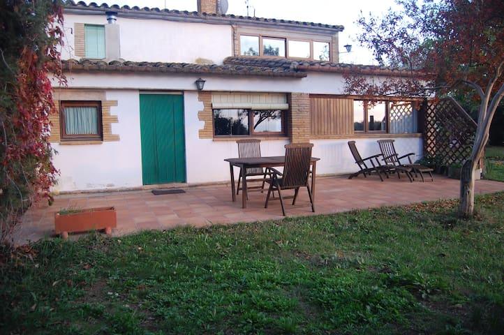 Girona 6 Km Zona tranquila, ambiente rural, comodo - Fornells de la Selva - Apartment