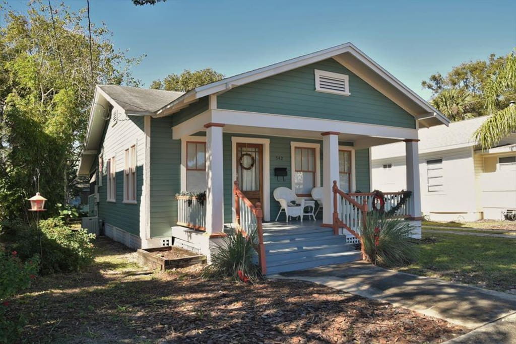 Little Green Bungalow Steps To Stetson Bungalows For Rent In Deland Florida United States