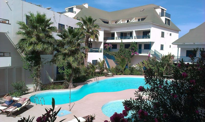 Nice Sea View Apartment, Terrace, Pool,Wifi,Aircon