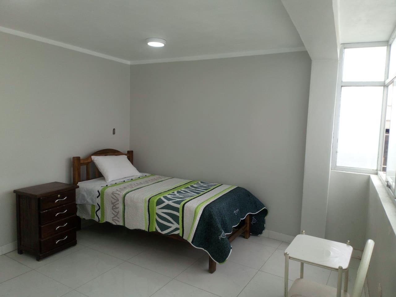 Habitación doble, cómoda y amplia