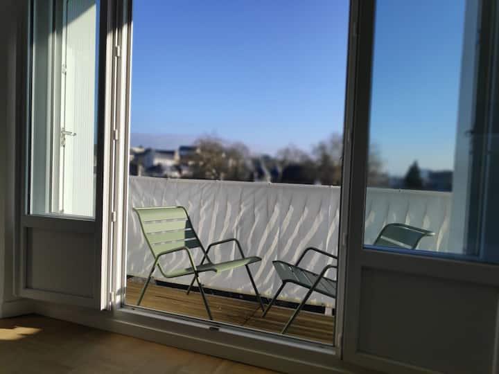 QUIMPER hyper centre T2  balcon  Lumineux Calme
