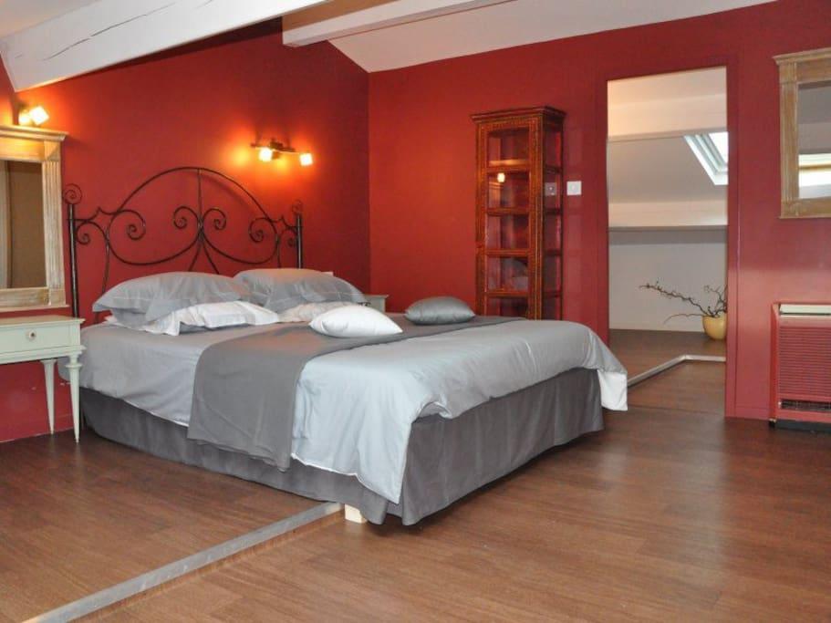 Chambre midi pyr n es chambres d 39 h tes louer auriac for Chambre d hotes pyrenees