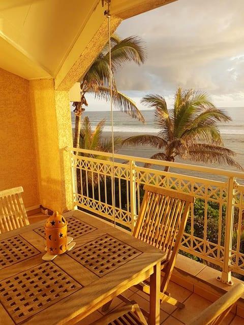 Wohnung mit einem Schlafzimmer in Les Trois Bassins mit herrlichem Meerblick, möbliertem Balkon und W-LAN