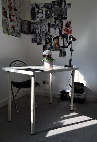 Single room in Hendon central - Londen - Huis