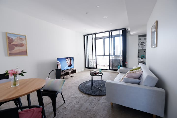 PARRAMATTA CBD High level new 1bedroom apt