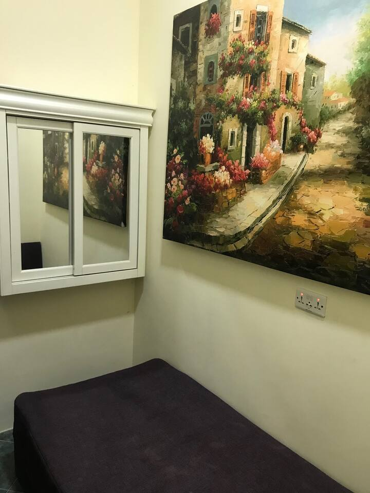 Quite room_AW07/3