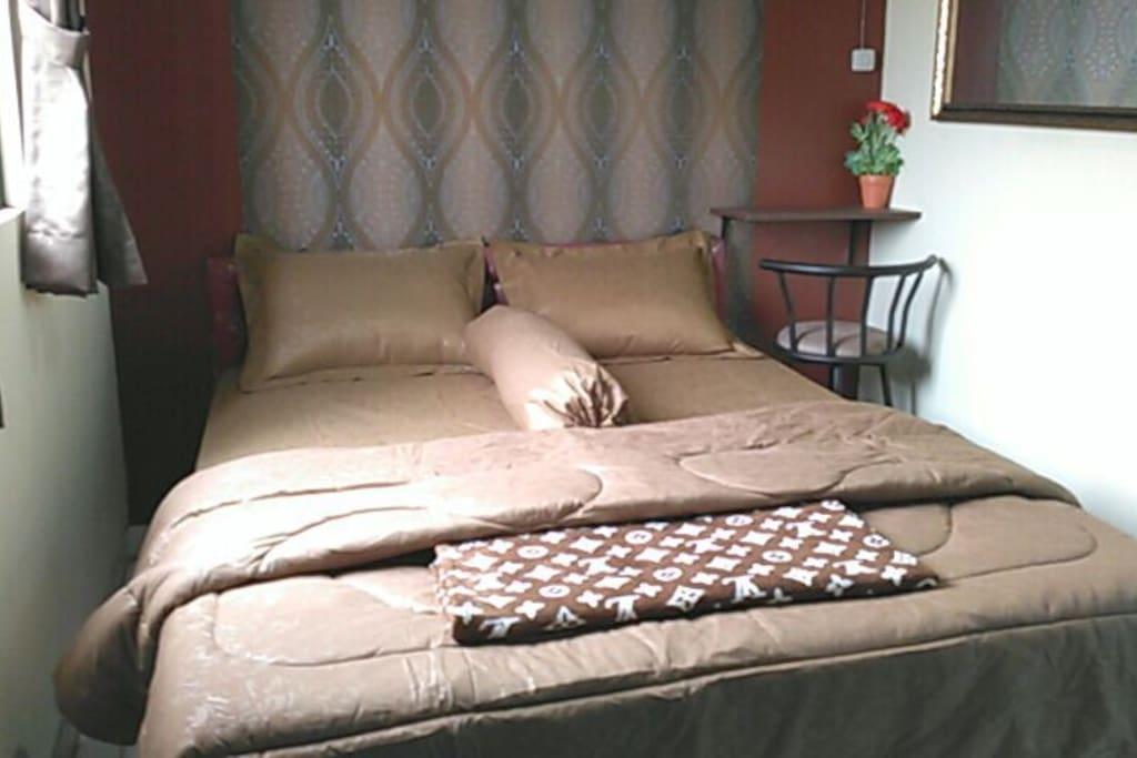 kamar double bed di pramukajati homestay