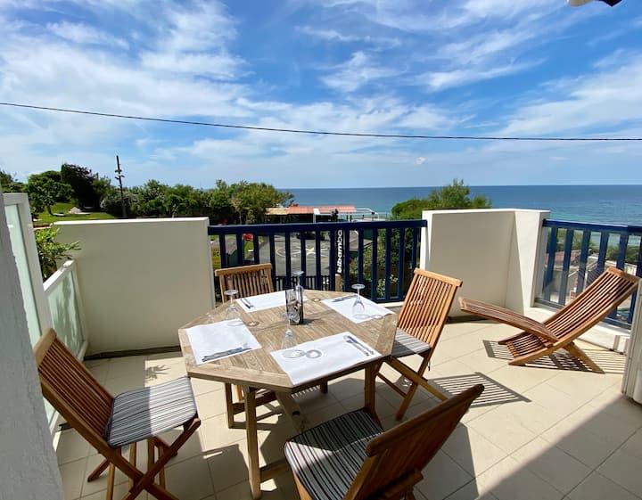 Duplex haut standing, pleine vue mer, devant plage