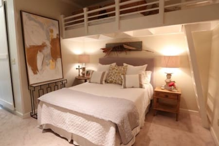 Downtown Fairhope Gallery Loft - Fairhope - Appartement