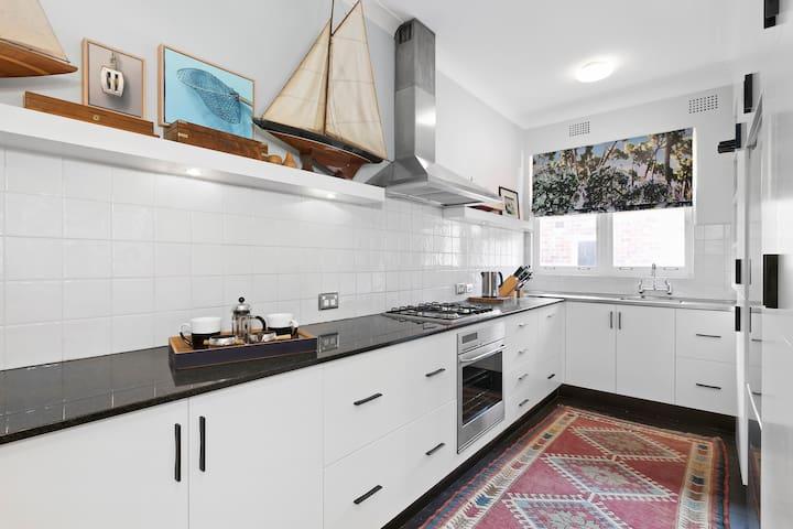 Stylish designer renovated apartment, Woollahra