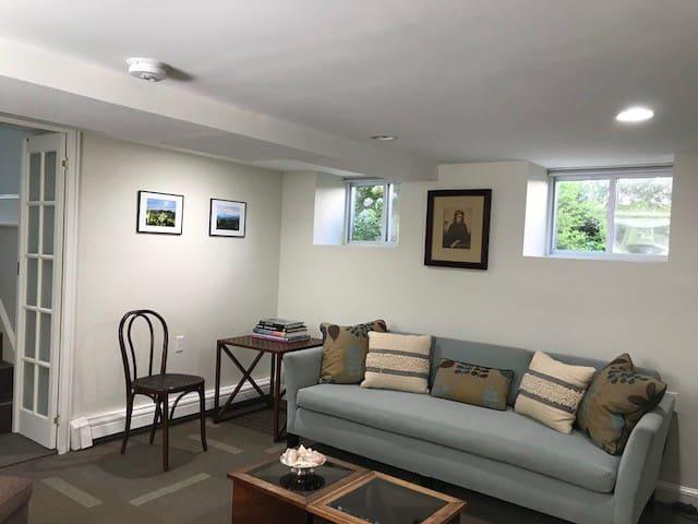 Newton Decorator's Guest Suite