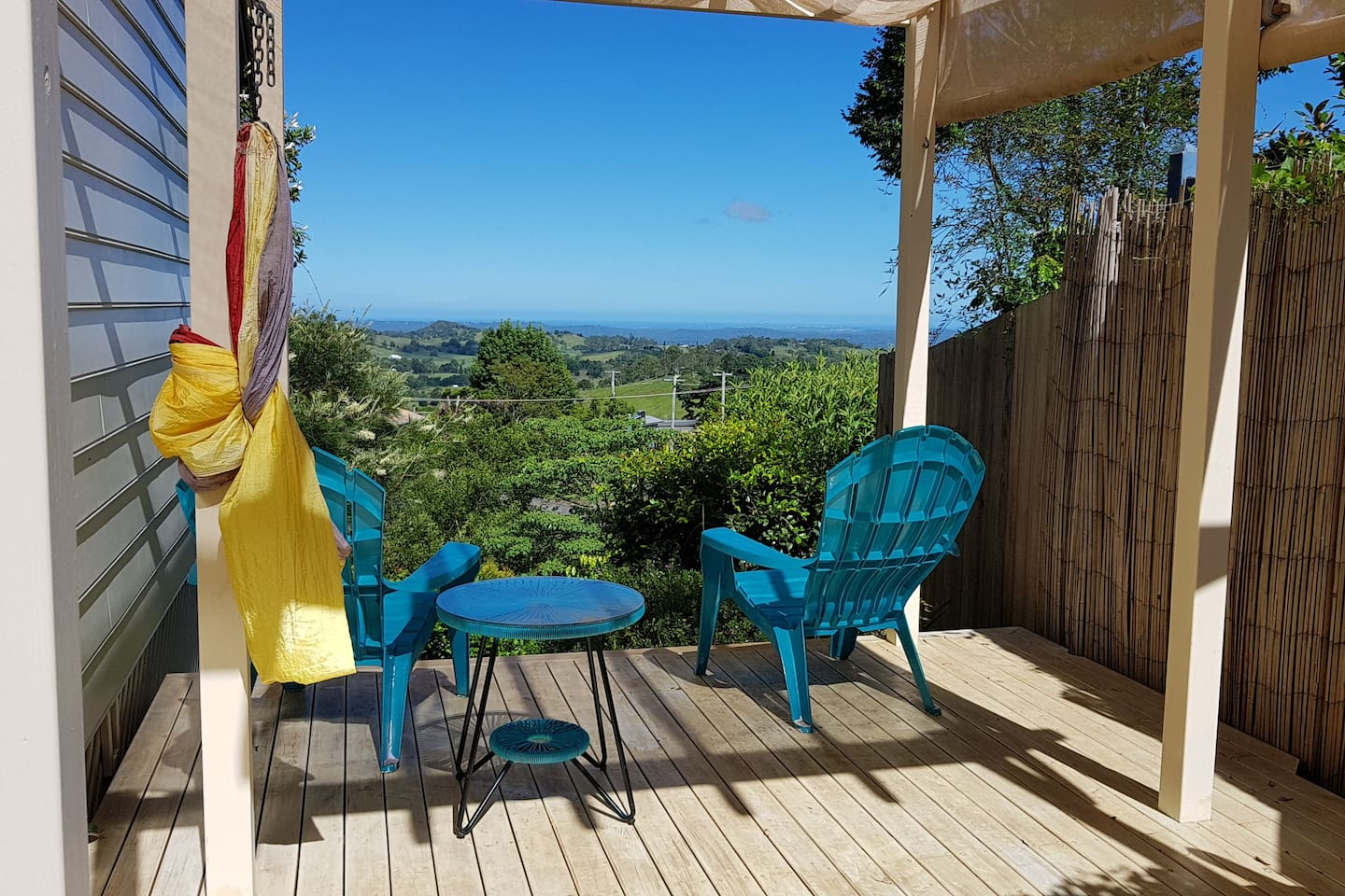 This is our gorgeous viewing deck, nice to relax, look at the view , enjoy a wine or relax in the hammock