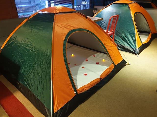 都市露營雙人帳篷 Tent in Hotel Lobby