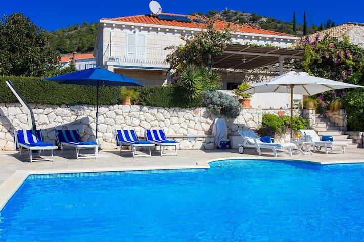 Mediterranean villa with swimming pool - Orašac - 獨棟