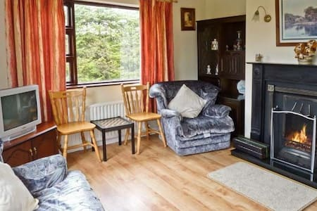 The Hare's Leap Holiday Cottage - Westport - Cabin