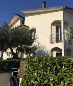 Villa Misano Adriatico Vicino Mare - Misano Adriatico
