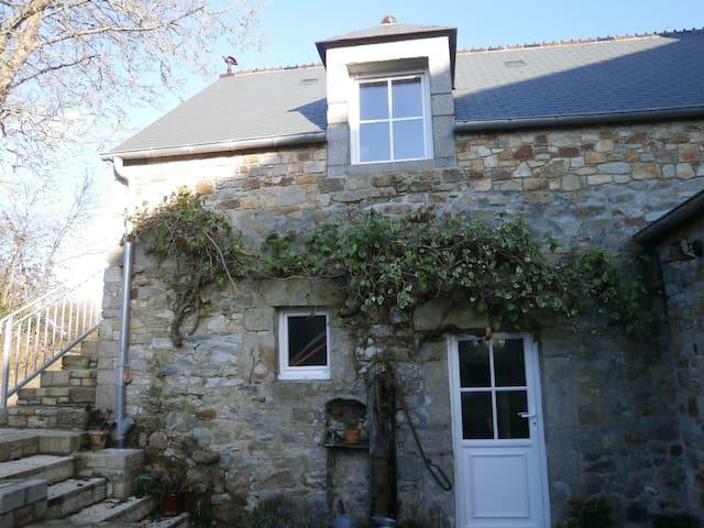 Chambre dans une ancienne ferme - Sotteville