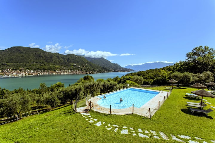 Garda Lake, nice residence with panorama pool