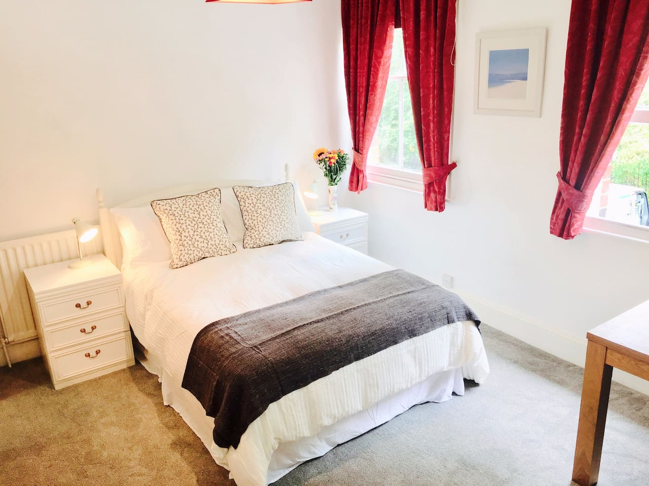 Beautifully appointed Private En-Suite Room