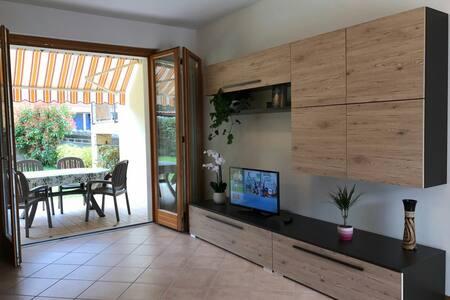 Center apartment with garden/free parking - Torri del Benaco - Wohnung