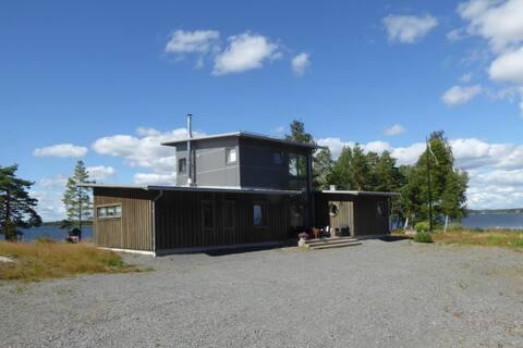 Skatudden, topmodern Lakehouse at Vänern.