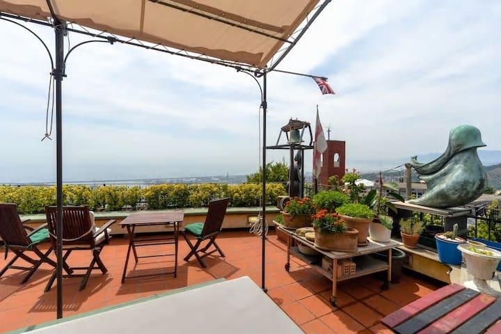 Vista e terrazzo panoramico a 10 minuti dal centro