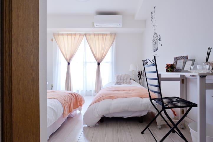 ベッドとソファベッドがあります。