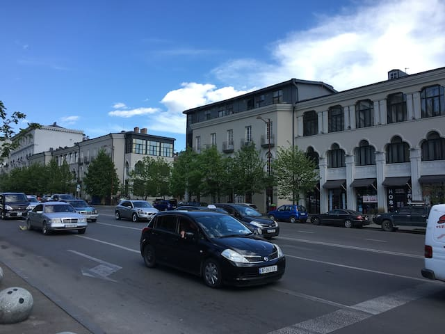 Сдается квартира в центре Тбилиси - GA - Daire