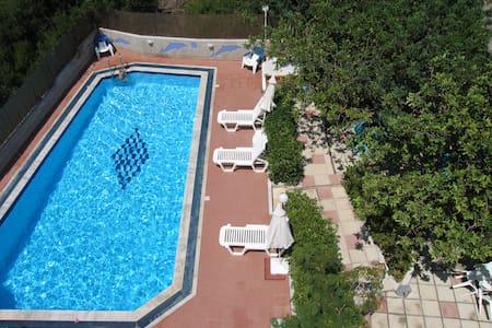 Cute studio with swimming pool - Stalida