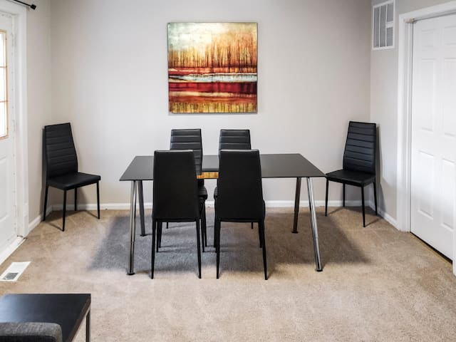 A Three-Bedroom Apartment in Silver Spring