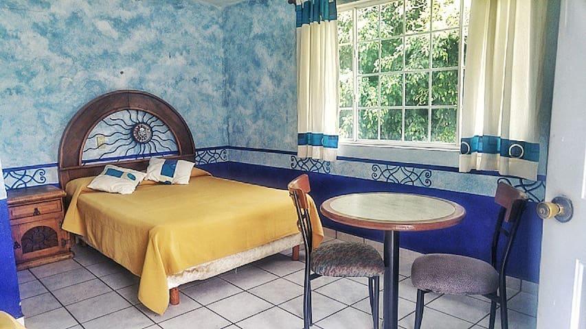 Habitación 6 de 2-4 personas 2 camas matrimoniales