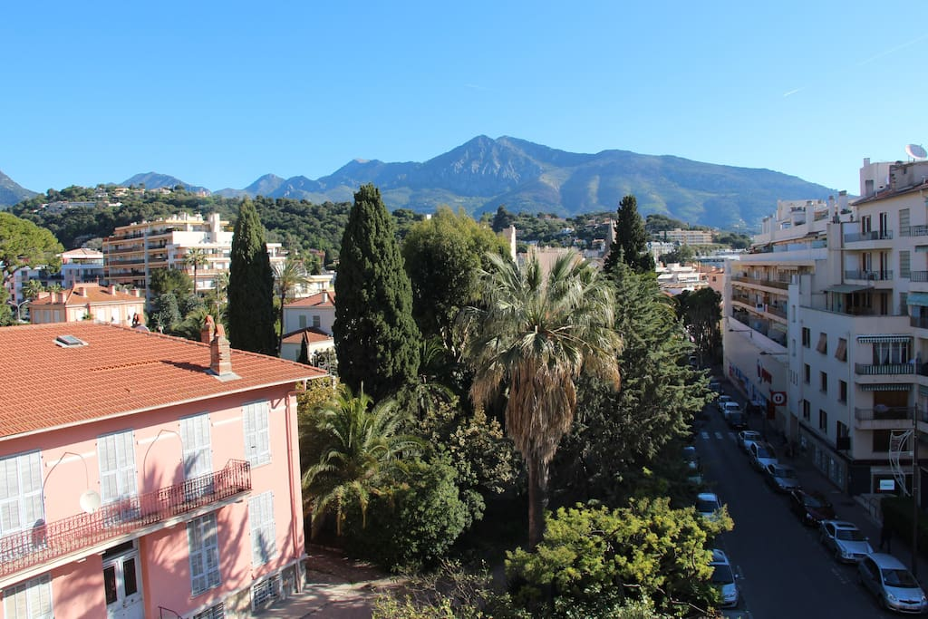 Large onebedroom mountain and sea view parking 4 - Asciugatrice in balcone ...