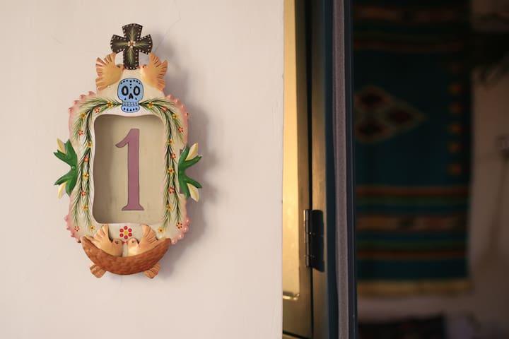 Beautiful room 1, Villa Calavera Casa Blanco - Guadalajara - Pensione