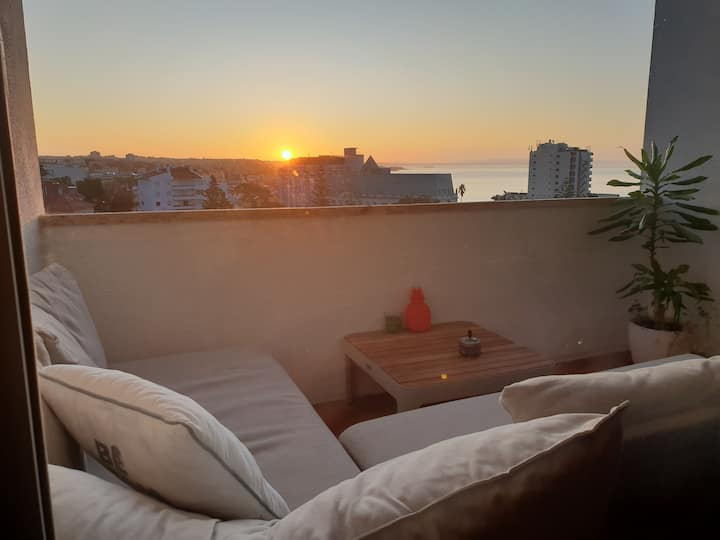 SEA VIEW PENTHOUSE ** MAGICAL SUNRISE BALCONY