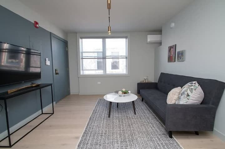 Chic Designer Apartment - Downtown - Sleeps 3 - #5