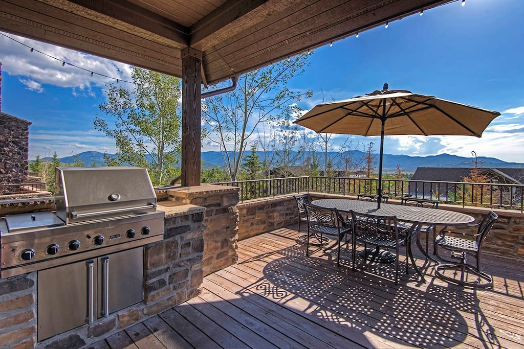 Take in grand vistas while grilling and relaxing.