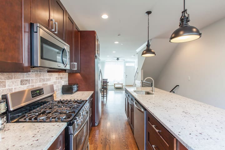 IMMACULATE Townhome with all the Bells and Whistles