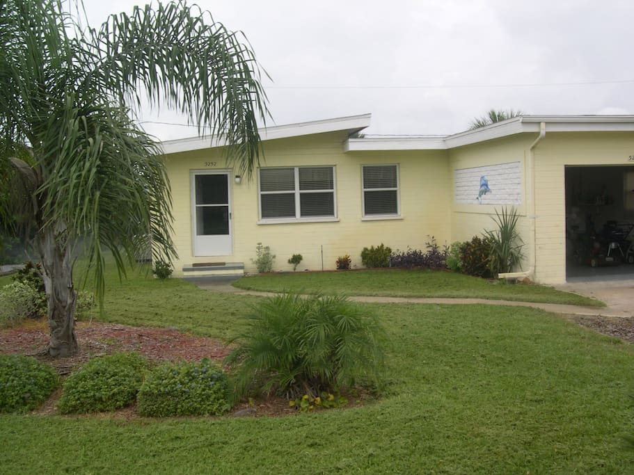 Seatreat is comfy clean and close to beach houses for rent in port orange florida - Houses for rent port orange ...