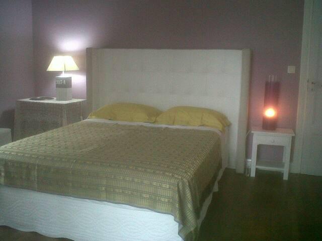 Chambre d hotes   Sur nationale 7 - Livron-sur-Drôme - Bed & Breakfast