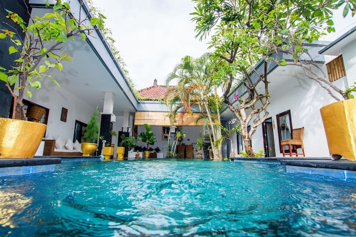 PROMO WEEKLY  MONTHLY - 4BR Villa Coco Seminyak!