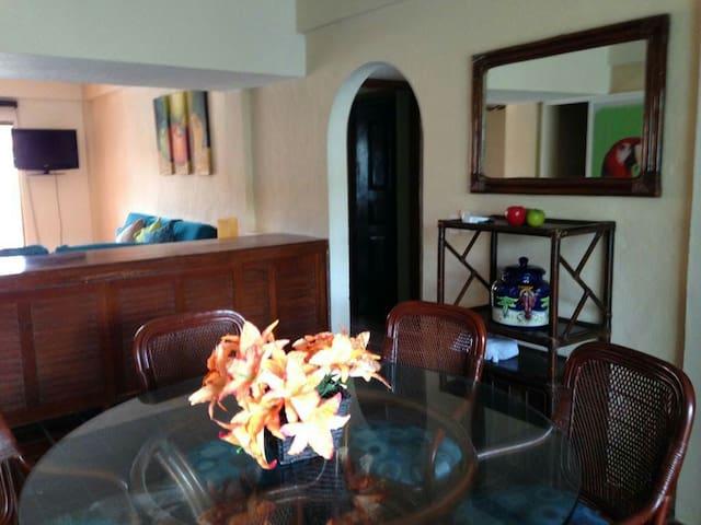 sala y comedor, living&dinning room. salle séjour et salle à manger.