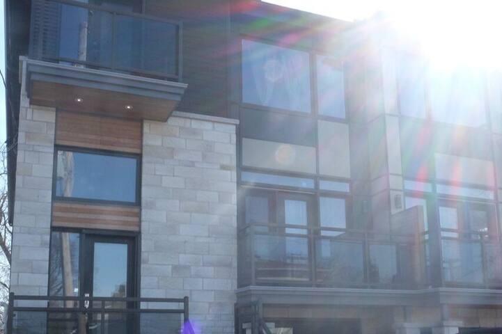New Luxurious & Spacious Home (Heart of Westboro) - Ottawa - Talo