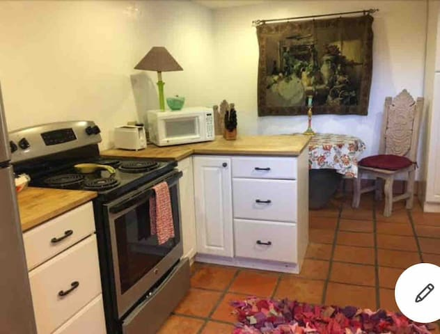 North San Diego Casita 1 or and 2 bedroom