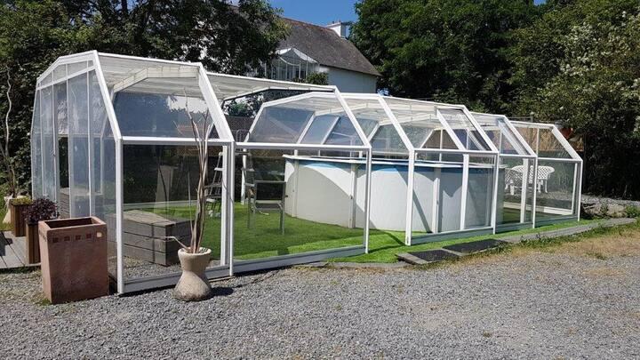 Logement indépendant, jardin, piscine chauffée