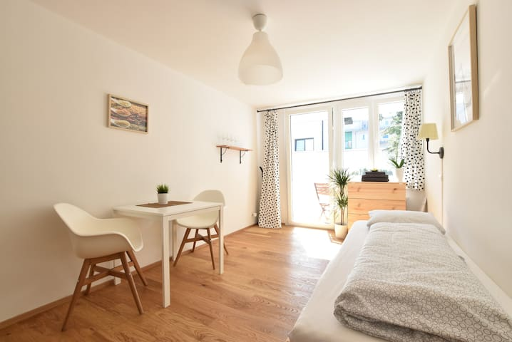 Charming Studio with Balcony near Stadium