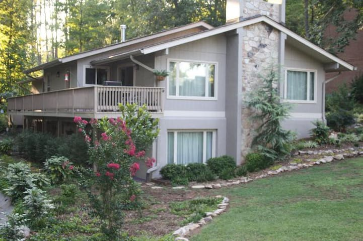 Home in West Knoxville close to Turkey Creek  I-40 - Knoxville - Guest suite