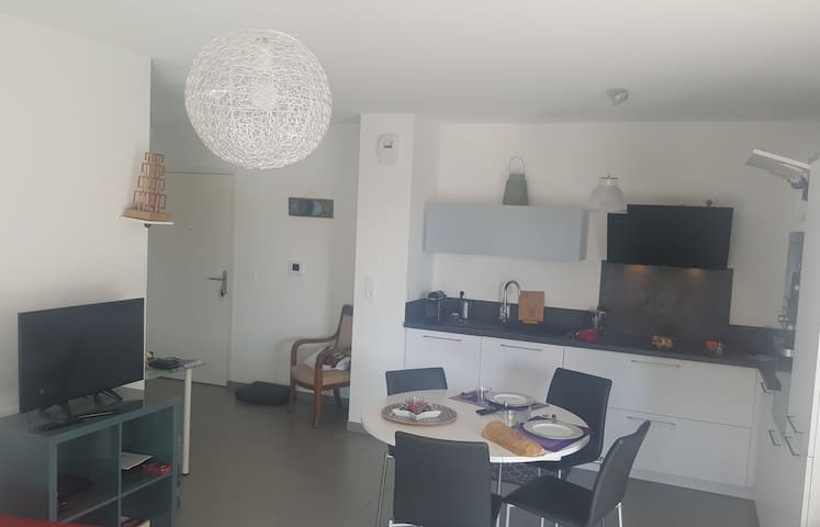 MAGNIFICENT APARTMENT WITH TERRACE - MARSEILLE 8TH - 4 PEOPLE
